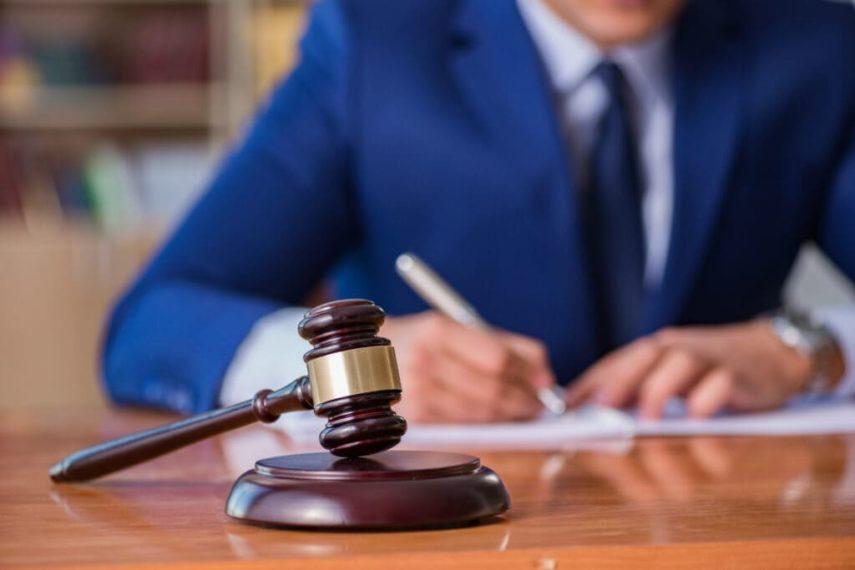 Адвокат и юрист по административным делам, вопросам, спорам